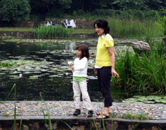 Wei with her daughter