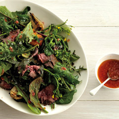 grilled steak salad with tomato