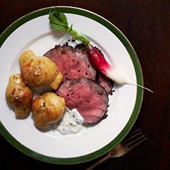 Roast Beef Tenderloin with Horseradish Cream